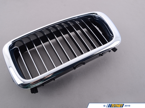 T#8754 - 51138172279 - Kidney Grill - Chrome - Left - E38 750il 1996-1998 - This Genuine BMW front left kidney grill for E38 7 series has the stock chrome trim with chrome slats. It is a direct snap in replacement for the stock grill.This item fits the following BMWs:1996-1998  E38 BMW750il - Genuine BMW - BMW