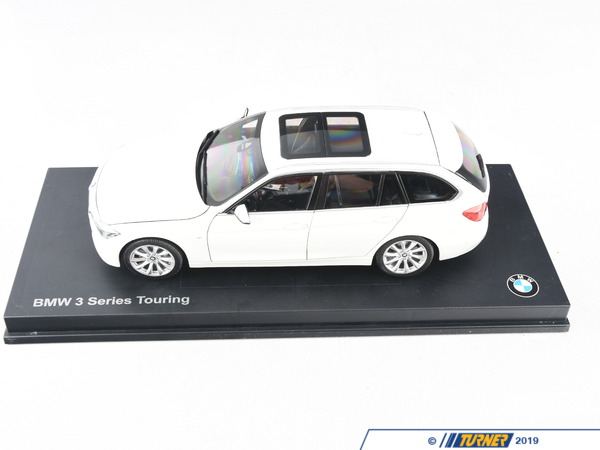 T#213957 - 80432244242 - Genuine BMW Miniature 1:18 3-Series Touring F31 - 80432244242 - Genuine BMW Bmw Miniature 1:18 3-Series Touring F31 F31 3ER WHITEThis item fits the following BMW Chassis: - Genuine BMW -