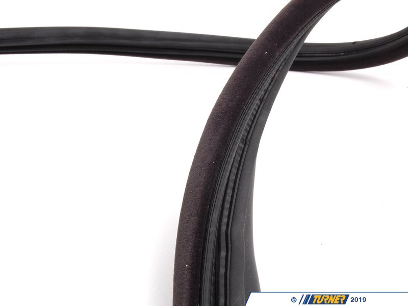 51712138958 Right Door Gasket Black E36 318is 325is