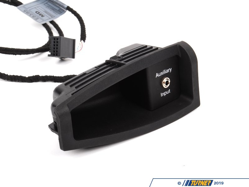 82110142174 Genuine Bmw Audio Auxiliary Input E85 Z4 2
