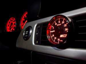 E9X 335 Analog Vent Boost Gauge