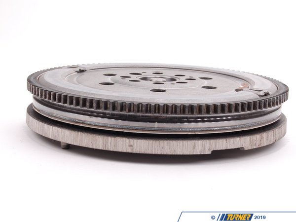 T#13213 - 21207533868 - Dual Mass Flywheel - E46 325i 330i , E60, E85 Z4 - This is the stock twin mass flywheel for E46 325i 325ci 330i 330ci with M54 engine. If the clutch has worn excessively the flywheel may have been damaged and require replacement. This item fits the following BMWs:1999-2005  E46 BMW 325i 325ci3/2003-2005  E46 BMW 330i 330ci 330xi 2004-2005  E60 BMW 525i 530i - M542004-2005  E83 BMW X3 2.5i X3 3.0i 2004-2006  E53 BMW X5 3.0i2003-2005  E85 BMW Z4 2.5i Z4 3.0i - M54 - LUK - BMW