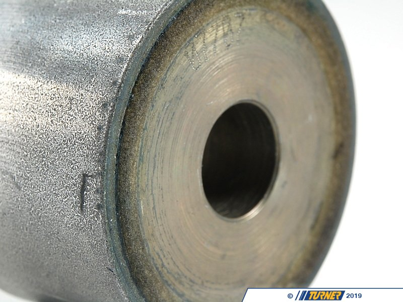 33172282484 Front Differential Mount Bushing Oem