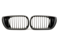 Black Center Grills - E46 Sedan 325i, 330i, 325xi, 330i 2002-2005