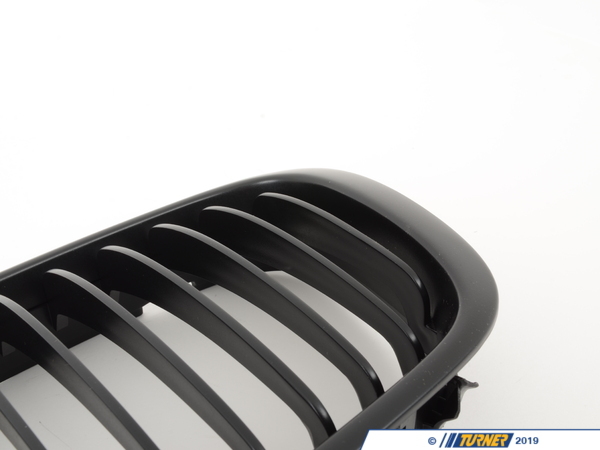 T#1511 - BME-1601-2311 - Black Center Grills - E46 Sedan 323i 325i 328i 330i 1999-2001 - Turner Motorsport - BMW