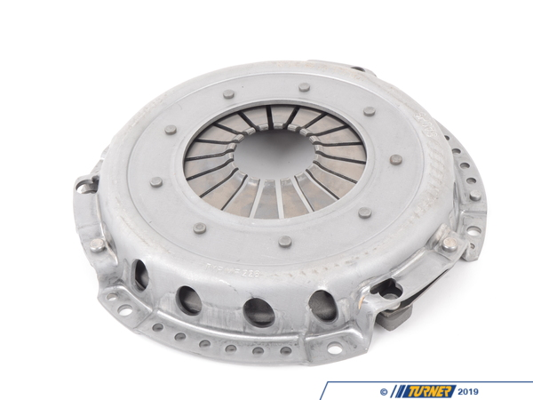 T#1434 - 883082999618 - Sachs Performance Pressure Plate - E10 E30 E28 E34 - Experience longer life and less slippage with this SachsPerformancepressure plate for use with sport/racingclutch discs. This pressure plate offers more clamping power, and is recommended for cars making significantly more hp than stock (forced injection, etc) while using a stock flywheel. This is NOT for use on cars with an aftermarket flywheel (stock flywheel only).Sachs Performance is the racing and performance oriented selection of high quality parts from Sachs and ZF Engineering. Supplying countless brands with OE parts and offering one of the widest selection of OEM replacement parts, they are known for their exceptionally high quality products. You can purchase these performance parts with confidence, knowing they will resist heavy wear and tear for much longer than most other aftermarket options. - SACHS Performance - BMW