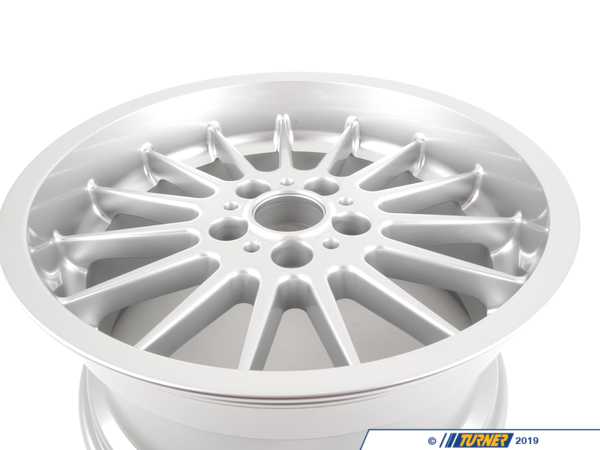 T#65309 - 36111093520 - E39 18x9.0 ET24 BMW Style 32 Alloy Wheel (Brilliantline Finish) - Genuine BMW -