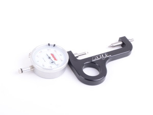 Rod Bolt Stretch Gauge with Billet Body & Thumb Hold