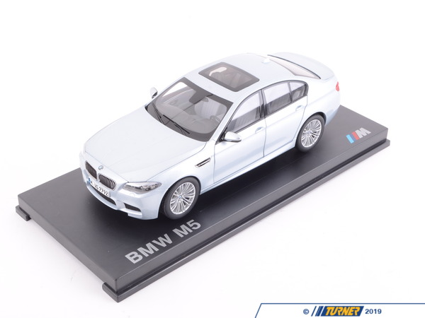 T#166004 - 80432186353 - Genuine BMW M5 Miniature 1:18 F10 Silverstone 2 - 80432186353 - Genuine BMW -